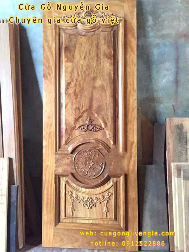 Cửa gỗ 1 cánh tân cổ điển