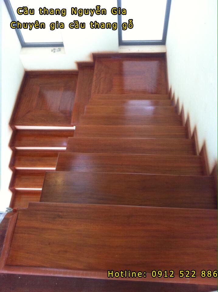 Mặt bậc cầu thang
