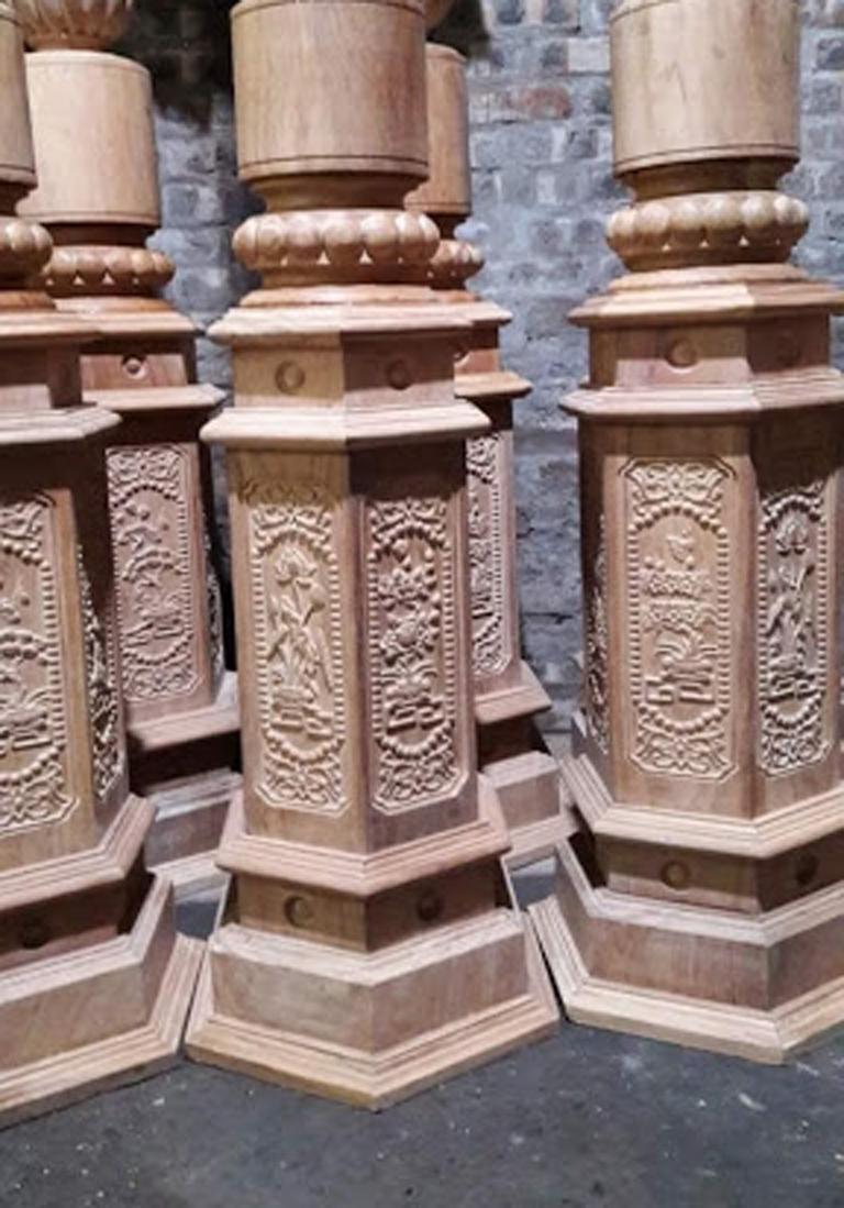 Các kiểu trụ cầu thang gỗ đẹp cho căn nhà của bạn - Cửa Gỗ Nguyễn Gia