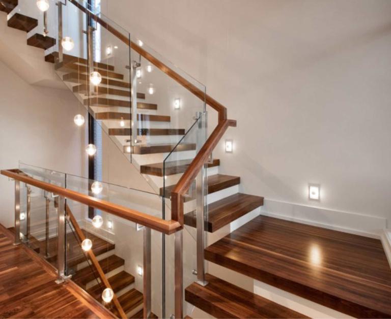 Những lưu ý thiết kế cầu thang gỗ cực quan trọng bạn nên biết - Cửa Gỗ Nguyễn Gia