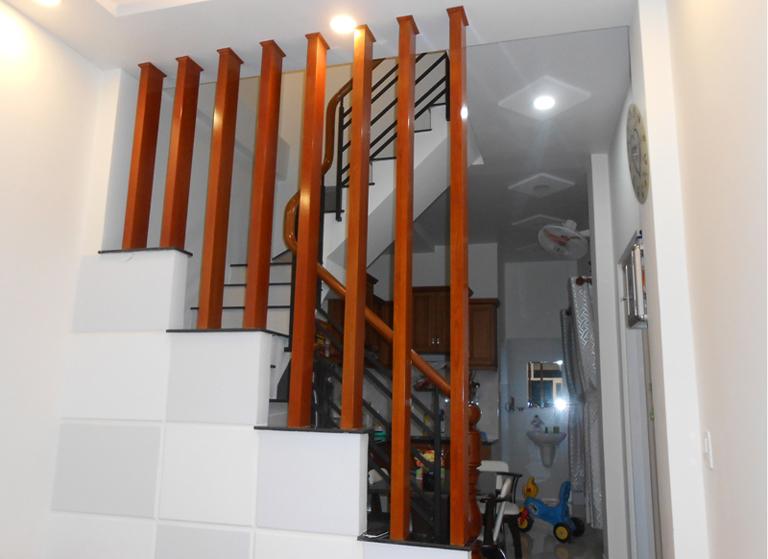 Những mẫu lam gỗ cầu thang đẹp gây sốt trên thị trường - Cửa Gỗ Nguyễn Gia